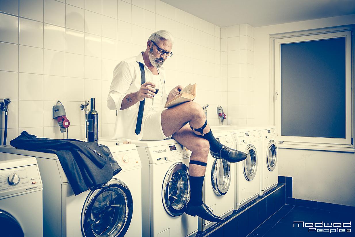 Menschenbilder 2019_Wien_Neulich im Waschsalon mit Model Martino Fotocredit: Medwed-people
